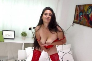 Enjoy in Private Cam Session with sexy UndressMeBB