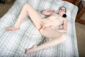 Slim cam babe loves rubbing her pussy as she watches you jerk off on webcam